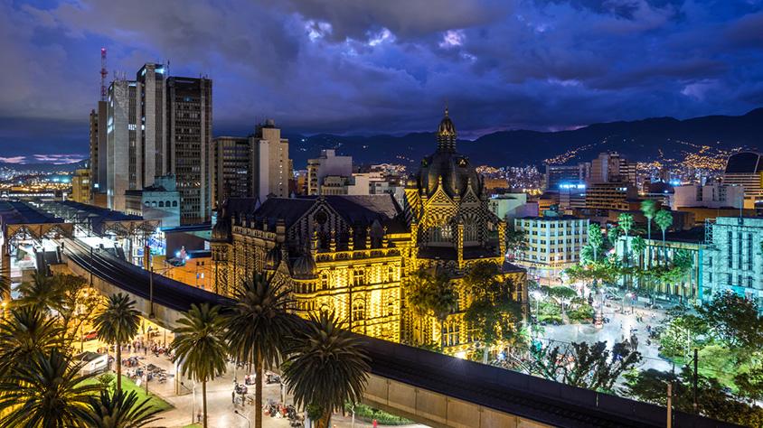viaje Medellin light
